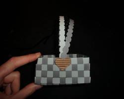 Bild vom geflochtenen Papierkorb