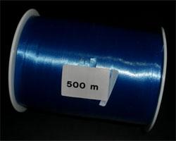 Blaues Geschenkband auf der Spule