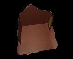 Bild von Papierkrippe beim Zusammenbauen