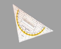 Bild eines Geodreiecks mit 140 Millimetern aus PVC