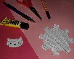 Bastelmaterial für Muffinformen im Hello Kitty Design