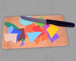 Bild von Brotzeitbrett auf dem schmackhaftes Papier angerichtet ist (Papier essen)