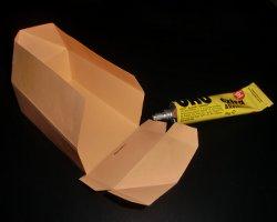 Gefalzte und geklebte Schachtel