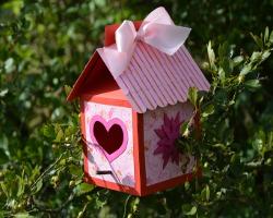 Vogelhaus basteln anleitung und schablonen for Bastelanleitung baum aus papier