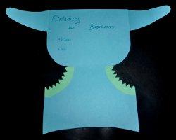 Geöffnete Windelkarte mit Einladungstext